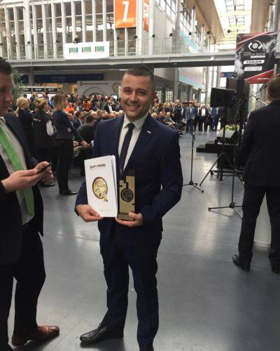 Złoty Medal dla ładowarki AVANT E6 na targach Polagra Premiery 2018